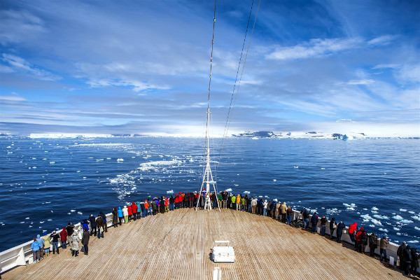 Classic Antarctica Cruise Image