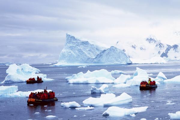 Antarctica Basecamp Cruise Image