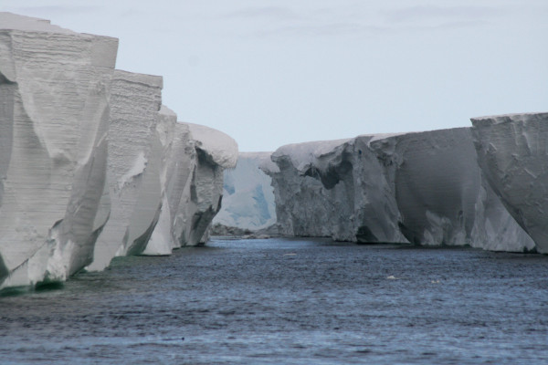 Ross Sea Ice Shelf - The World's Largest Body of Floating Ice