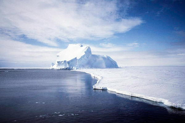 Iceberg the size of Bali poised to break off the Antarctic shelf